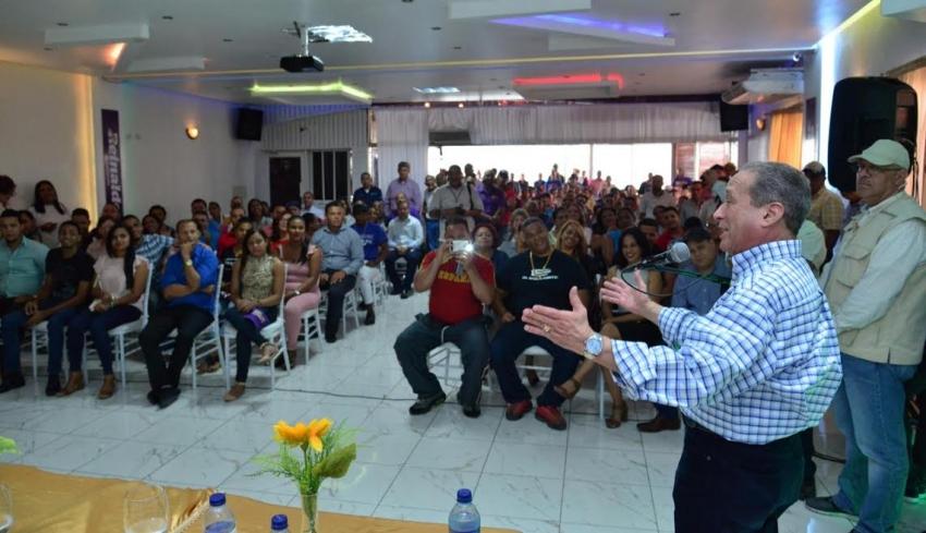 Pared afirma Danilo y Leonel deben zanjar diferencias; se considera listo para representarlos  en comicios 2020