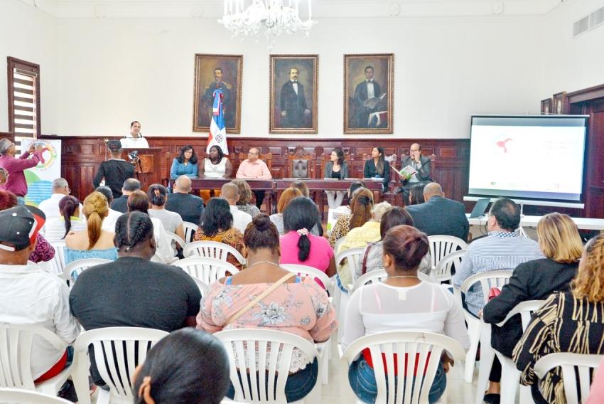 Un porcentaje muy mínimo de mujeres tienen empleos en  Santa Lucía