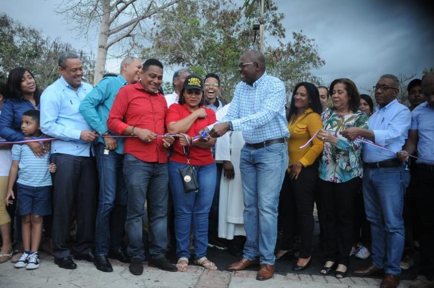 ASDE entrega remozados tres centros de integración familiar en el sector de Villa Carme