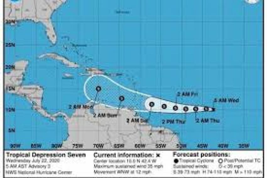 Gonzalo se fortalece y podría convertirse en huracán el jueves en su ruta al Caribe