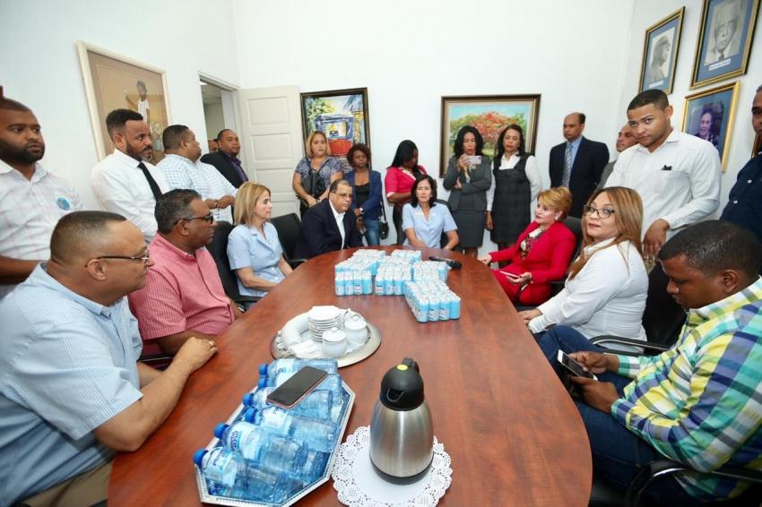 Fundación presidida por la ex presidenta de la CD hace donativo del Hospital Heriberto Peter Oncológico
