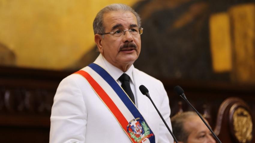 Presidente Danilo Medina envía saludo solidario y optimista al pueblo dominicano, acompañado de deseos de paz y felicidad, ante llegada 2020