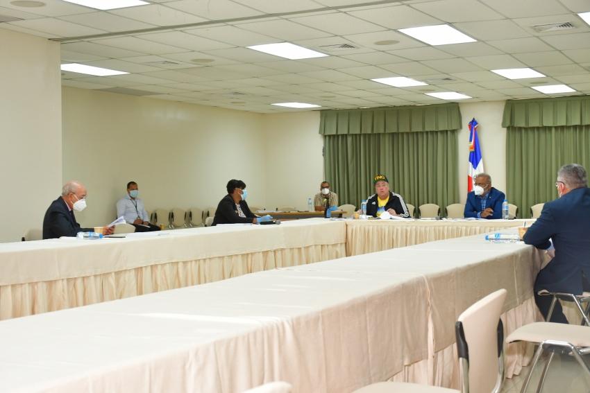 Senadores estudian proyecto de Ley General de Gestión Integral y Coprocesamiento de Residuos de la República Dominicana