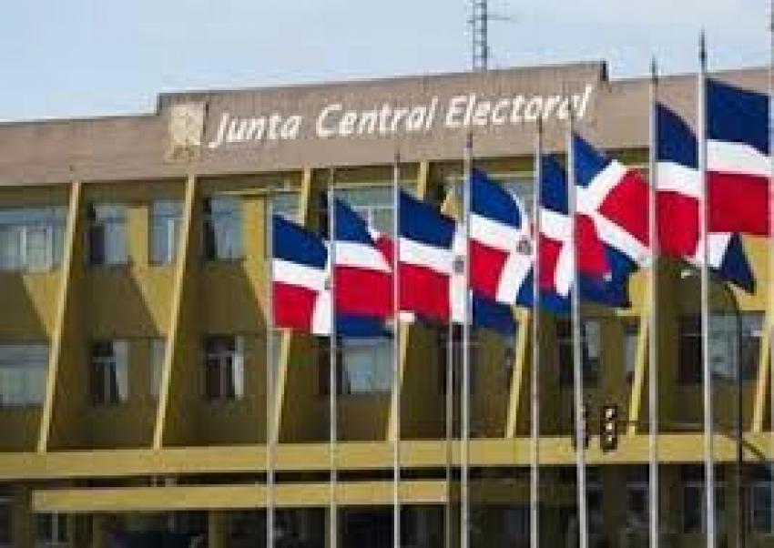 Estos son los acuerdos presentados en reunión de partidos políticos y JCE