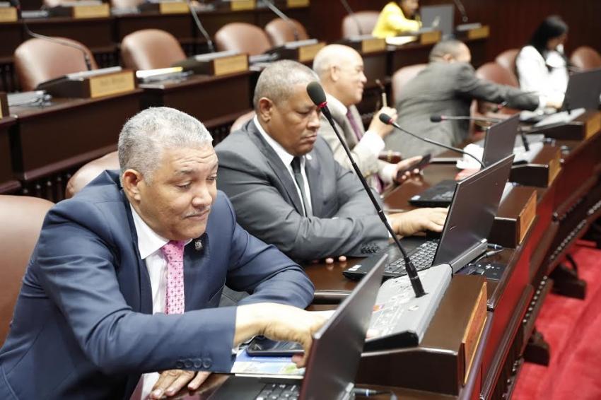 Diputados aprueban en proyecta lectura reforma a ley de cheque y lo envía a comisión por una semana