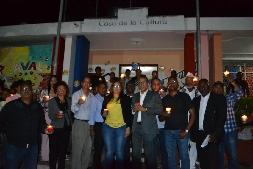 Comunitarios de Haina realizan vigilia en defensa de la libertad de expresión