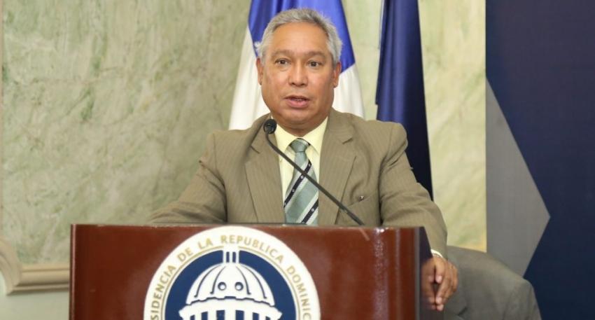 Ministro de Economía afirma dice Venezuela no es único suplidor, no habrá escasez de combustibles